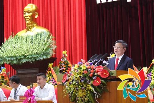Chủ tịch Liên minh HTX Việt Nam Võ Kim Cự biểu dương những thành tích đã đạt được của Liên minh HTX và DNNQD Quảng Ninh trong nhiệm kỳ vừa qua.